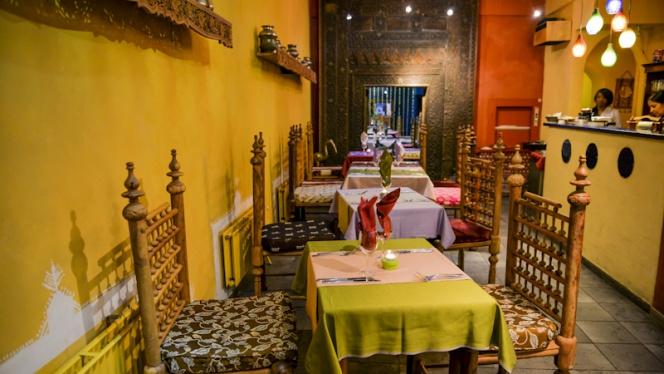 Table dressée - La Vallée du Kashmir,