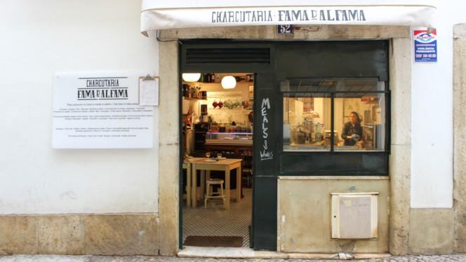 Fachada - Fama d'Alfama Charcutaria, Lisboa