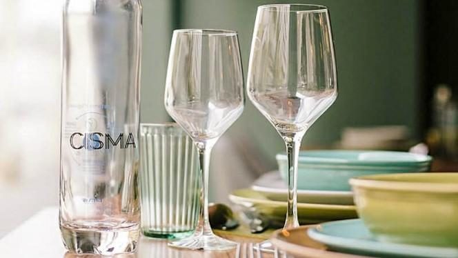 Detalhe da mesa - Cisma, Matosinhos