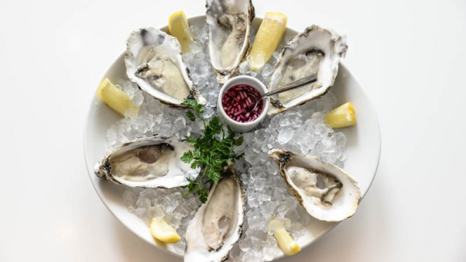 Oysters - Brasserie Ambassade, Amsterdam