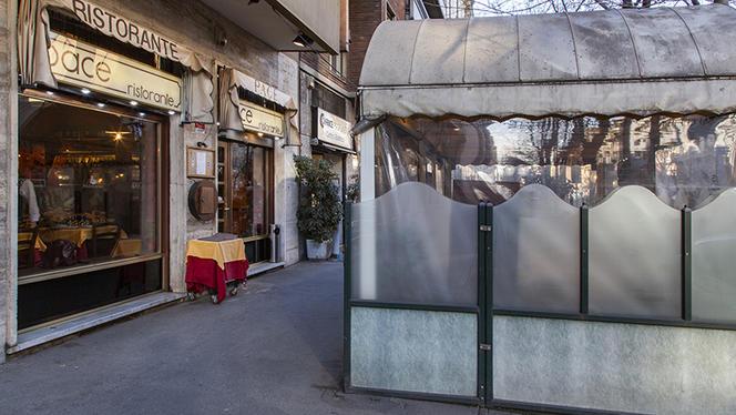 Esterno - Pace - Piazza Roma a Milano, Milan