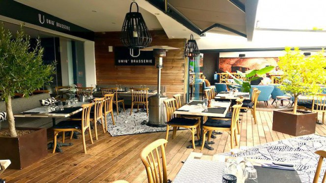 Terrasse - Uniq' Brasserie, Saint-Laurent-du-Var
