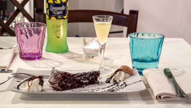 Torta caprese fatta dal nostro Chef - Ambasciata di Capri, Roma
