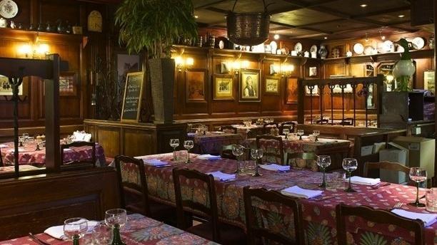 Salle du restaurant - Winstub Le Clou, Strasbourg