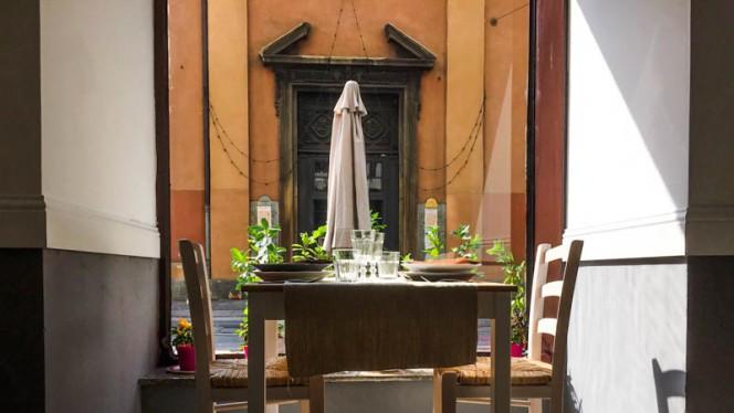Terrazza - Fiori e caffè, Turin