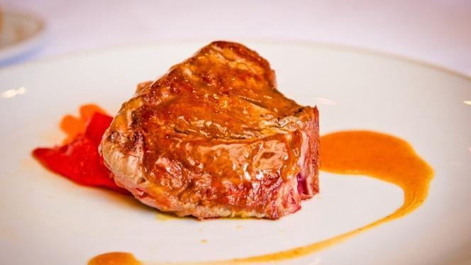Plato carne - Restaurante Parador de Chinchón, Chinchon