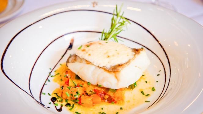 Plato pescado - Restaurante Parador de Chinchón, Chinchon