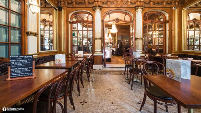 apreçu de l'intérieur - Café Napoléon III, Bordeaux