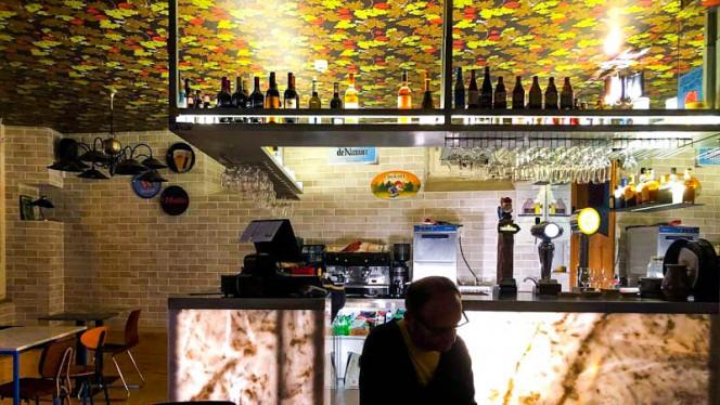Vista da sala - Café Belga, Lisboa