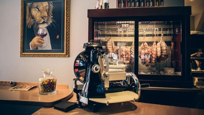 Charcuterie haute-couture - N°5 WINE BAR : bar à vins & restaurant, Toulouse
