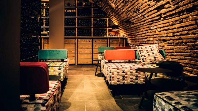 salle - N°5 WINE BAR : bar à vins & restaurant, Toulouse