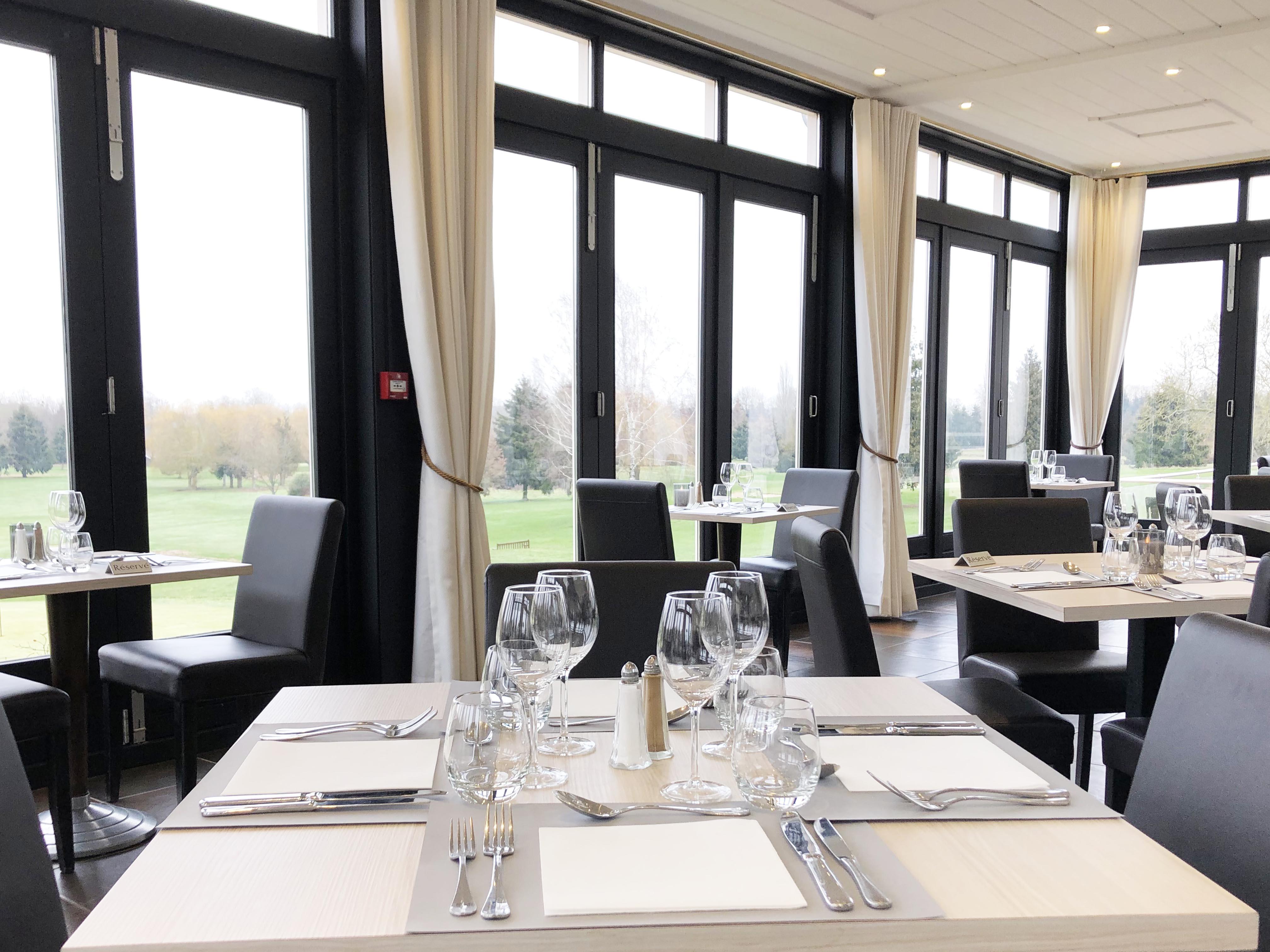 Magny Le Hongre Restaurant restaurant le panoramic - domaine de crécy à crécy-la