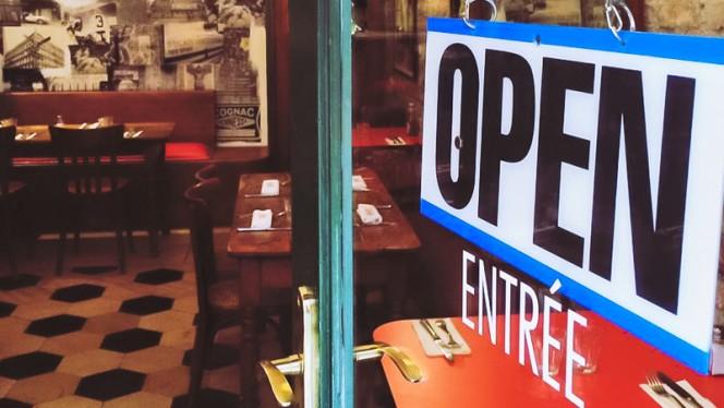 Entrée - Hippolyte, Lyon