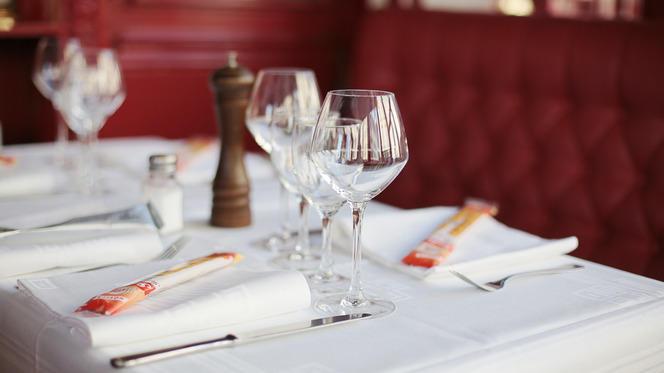 Tables dressées - Terra Nera, Paris