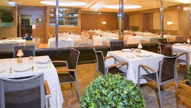 Detalle interior - Plaza - Hotel Meliá Plaza, Valencia