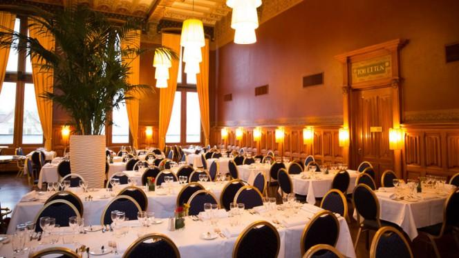 Chique diner voor grote groep - Grand Café-Restaurant 1e klas, Amsterdam