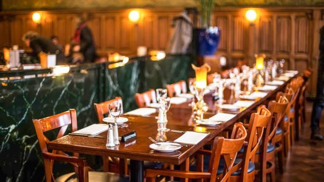 Restaurant tafel groep - Grand Café-Restaurant 1e klas, Amsterdam