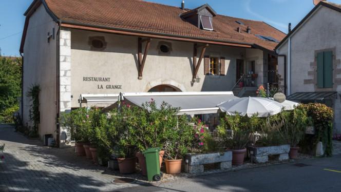 Devanture - La Grange, Vernier