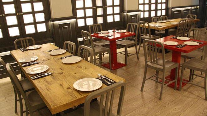 varias mesas - La Pulpería de Victoria, Madrid