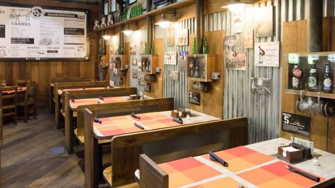 Vista de la sala - Beer & Grill, Madrid
