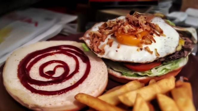 Hamburguesa - Troade, Madrid