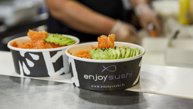 Chirashi saumon avocat - Enjoy Sushi Marignane, Marignane