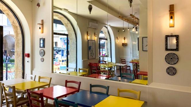 Salle du restaurant - Yasmine Vieux Port, Marseille