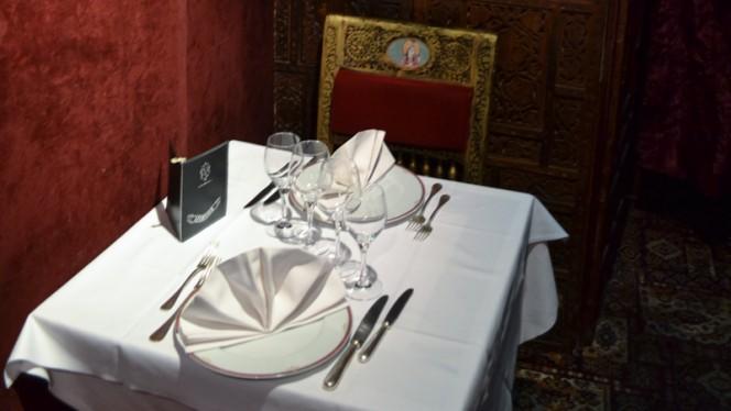 Table dressée - Chez Gaandhi, Paris