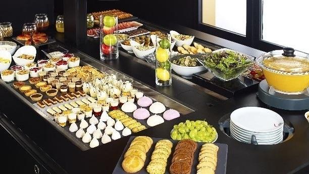 Le buffet - Campanile Vitrolles Anjoly, Vitrolles