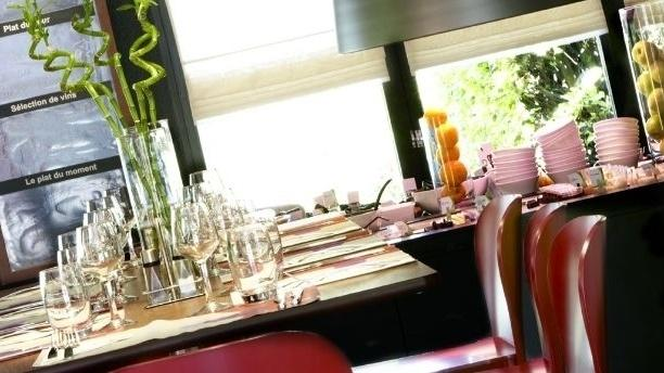 Vue d'une table - Campanile Vitrolles Anjoly, Vitrolles