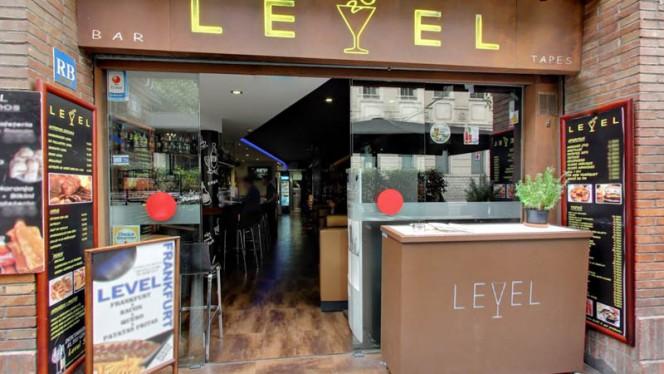 Level, Barcelona