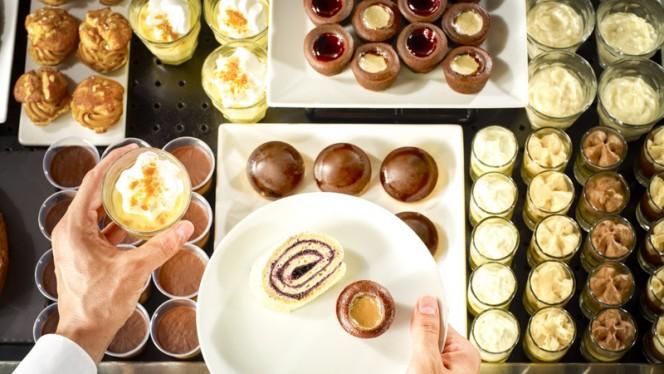 Buffet desserts - Campanile Marseille Martigues, Martigues