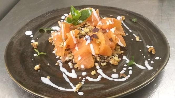 Insalatina di cereali e sashimi di salmone marinato - Il Sipario del Gusto, Milan