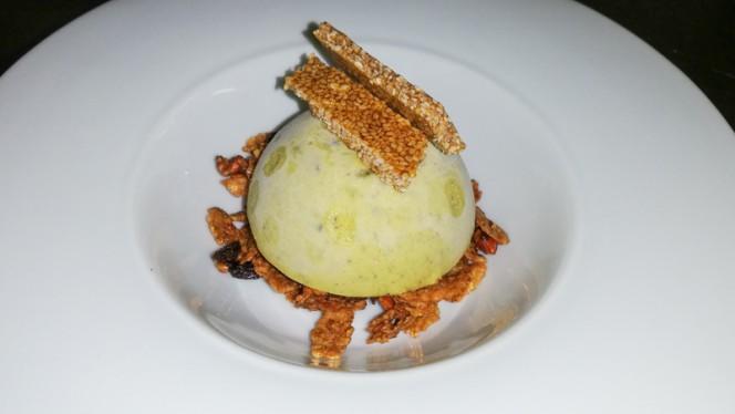 Parfait al pistacchio, muesli al miele e cialda ai semi - Il Sipario del Gusto, Milan