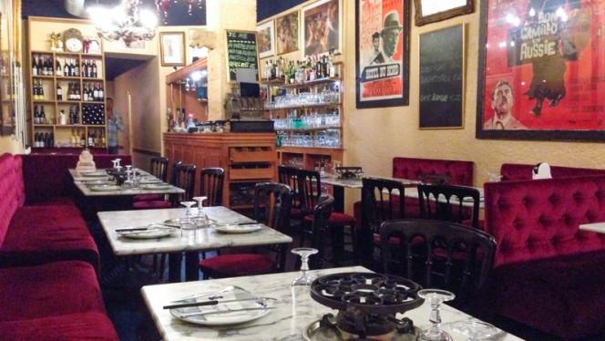 salle - Heureux Comme Alexandre, Metz