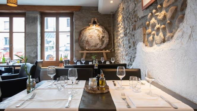 Vue de l'intérieur - Auberge du Lion d'Or - Versoix, Versoix