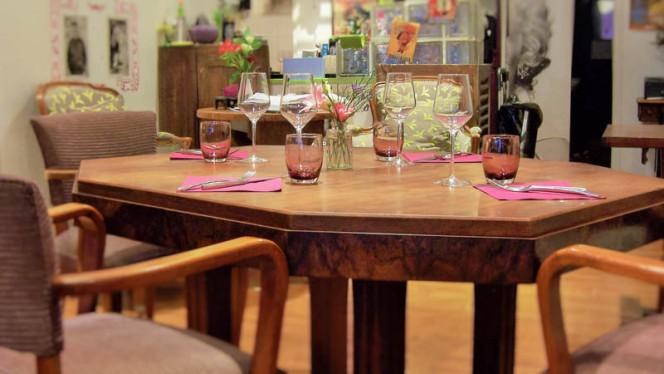 Table conviviale - L'Apatam, Paris