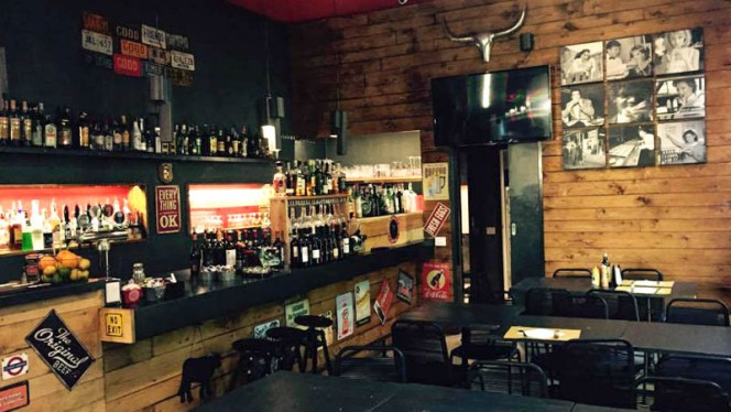 La sala - HatsOff pub, Milan