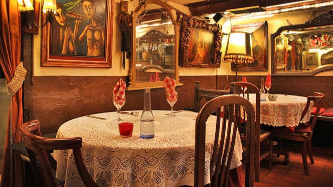 Mesas y cuadros - La Carassa, Barcelona