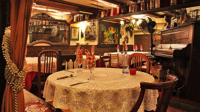 Sala con piano antiguo - La Carassa, Barcelona