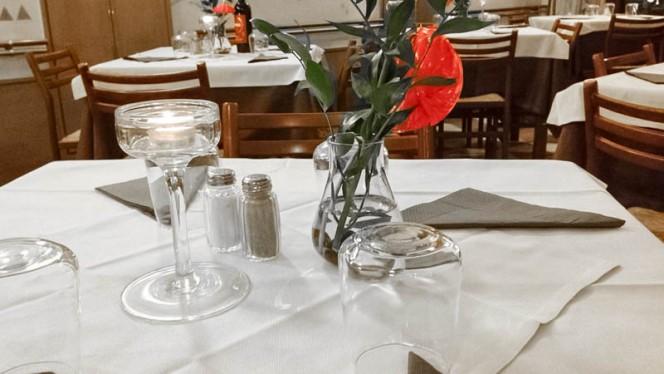 tavolo - Casa del vin santo, Firenze