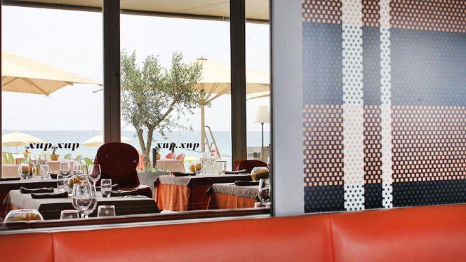 Ventanal interior sala - Xup Xup Restaurant, Barcelona