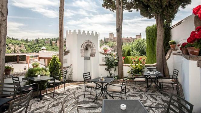 Terraza - Carmen Aben Humeya, Granada