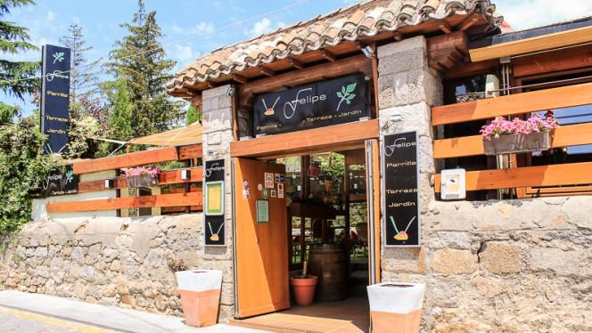 Entrada - Terraza Jardín Felipe, Navacerrada