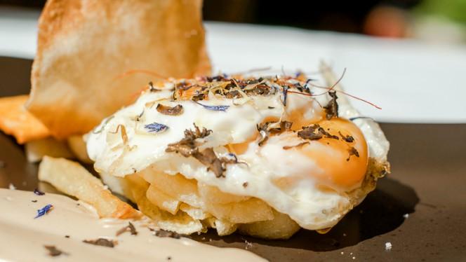 Huevos con crema de boletus - Terraza Jardín Felipe, Navacerrada