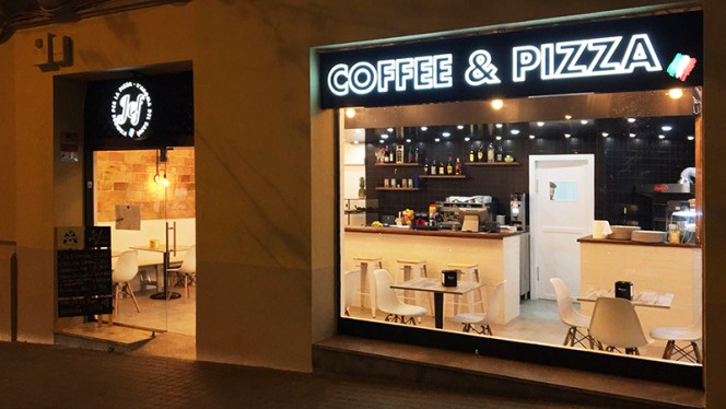 Exterior - Jef Coffee & Pizza, Barcelona