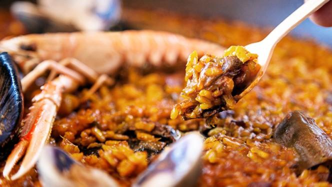 La paella de l'Escribà - Xiringuito Escribà, Barcelona