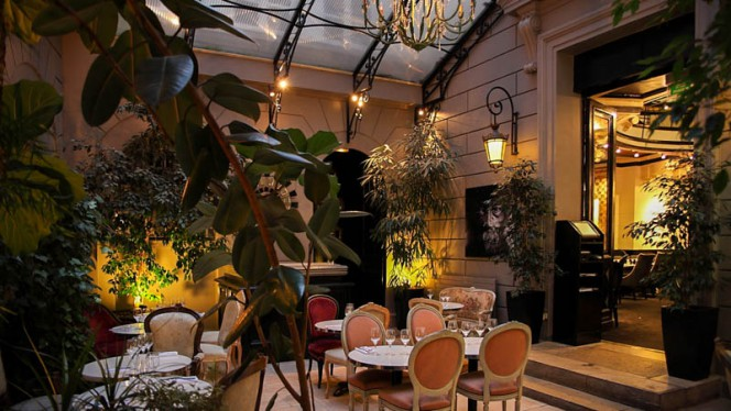 Aperçu de la salle le soir - Le Dôme du Marais, Paris