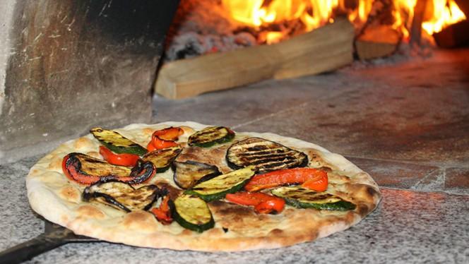 Cotta nel forno a legna - Phoenicia, San Donato Milanese