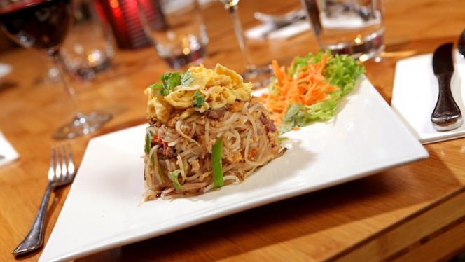 Pad Thai - Kinnaree Thai Cuisine, Amsterdam